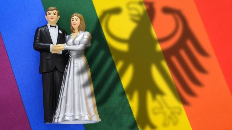 Ehe für alle wegen bundesweiten Software-Problems verzögert