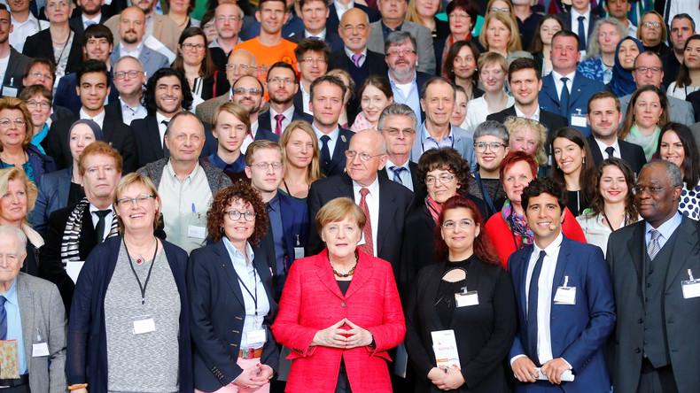 """Sommer-Pressekonferenz: """"Willkommen in Deutschland"""" durch Merkel neu definiert"""