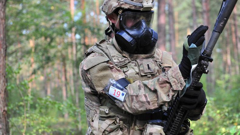 """US-Army führt """"Bester Krieger""""-Wettbewerb auf ihrem Truppenübungsplatz in Grafenwöhr, Bayern durch"""