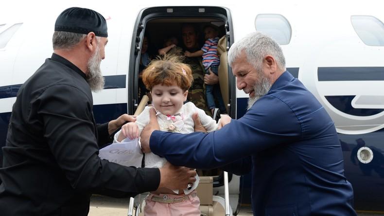 """""""Sorgfältige Arbeit"""": Russlands Kinderrechtsbeauftragte erzählt RT über Heimkehr von Dschihad-Waisen"""