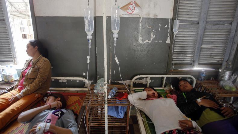 Mehr als 70 Frauen fallen in Ohnmacht in H&M Fabrik in Kambodscha