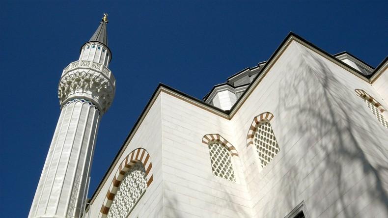Eklat in Berliner Moschee – Randalierer will Gebetshaus nicht verlassen und verletzt fünf Polizisten