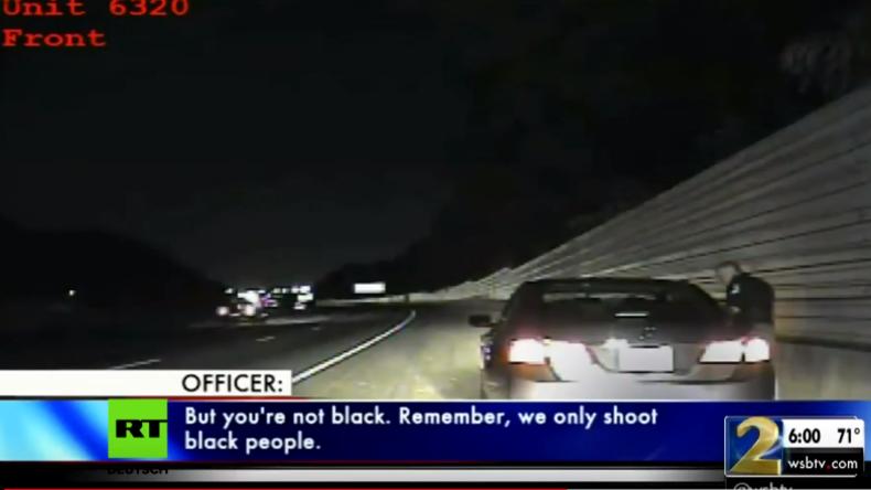 """""""Wir erschießen nur Schwarze"""" - US-Polizist """"beruhigt"""" eine Autofahrerin"""