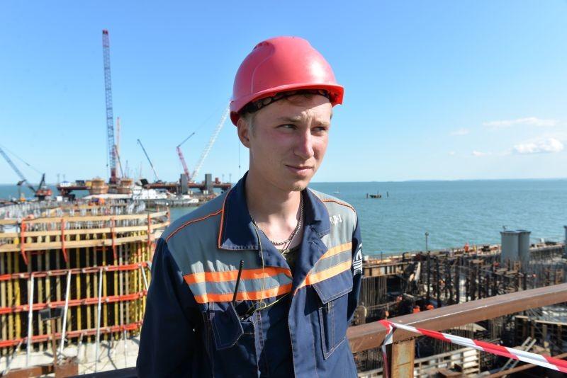 Reportage: Landverbindung nach Russland - Ein Brücke gibt den Menschen auf der Krim Hoffnung