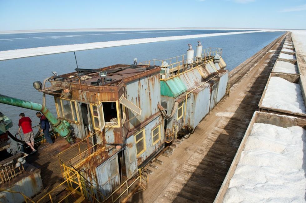 Man sagt, Baskuntschak erschöpft sich nie. Im Gegensatz zu vielen anderen Salzseen verfügt der Baskuntschak über zahlreiche Quellen, die ihn mit neuen, riesigen Salzreserven versorgen.