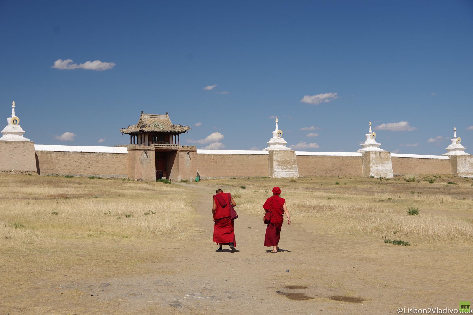 Von Lissabon nach Wladiwostok: Die Mongolei – Atemberaubende Landschaften & merkwürdige Begegnungen