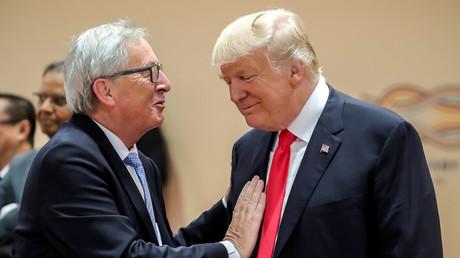 Der US-Präsident Donald Trump mit dem EU-Komissionspräsidenten Jean-Claude Juncker während des G20-Gipfels, Hamburg, Deutschland, 8. Juli 2017.