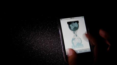 Das Logo von WikiLeaks auf einem Smartphone, Tokio, Japan, 29. November 2010.