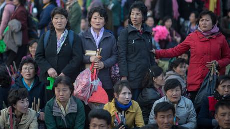 Menschen auf den Straßen Pjöngjangs