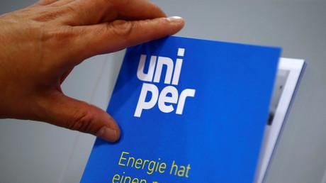 Eine Broschüre Unipers während einer Teilhaberkonferenz in Essen, Deutschland, 8. Juni 2016.