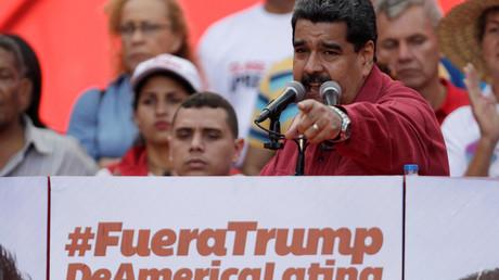 Venezuela Präsident Nicolás Maduro verkündet seine Botschaft:
