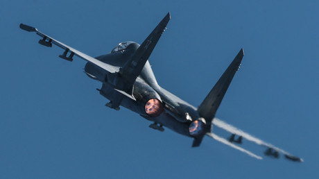 Die russische Luftwaffe hat einen Konvoi des