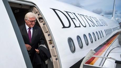 Der deutsche Bundespräsident Frank-Walter Steinmaier bei der Ankunft in der lettischen Hauptstadt Riga am 23. August 2017.