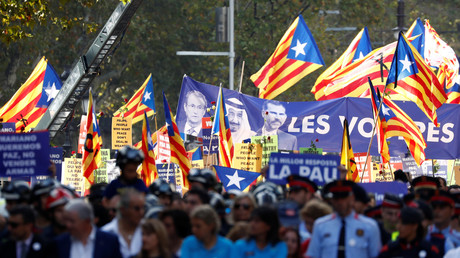 Buhrufe gegen Spaniens König und Regierungsvertreter bei Anti-Terror-Demo in Barcelona