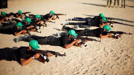 Kämpfer der Hamas bereiten sich in einem Trainingscamp im Gazastreifen auf Gewaltakte gegen Israel vor.