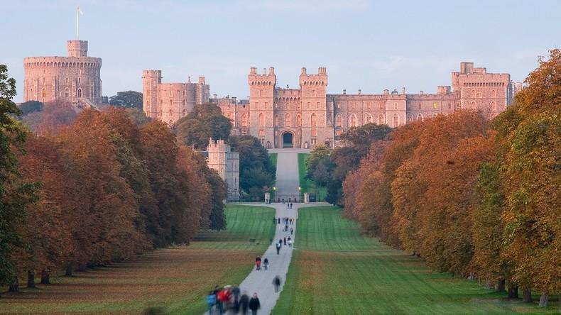 GPS-Panne: Buckingham-Palast-Täter wollte Schloss Windsor angreifen, geriet aber in Windsor-Pub