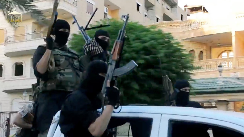 """Syrien: Von USA ausgebildete Rebellen sollen Waffen an den """"Islamischen Staat"""" verkauft haben"""