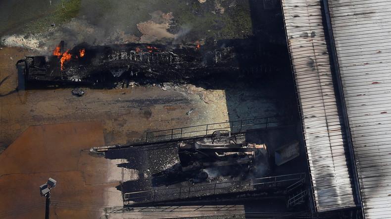 Überschwemmte Chemiefabrik in Texas steht wieder in Flammen [VIDEO]