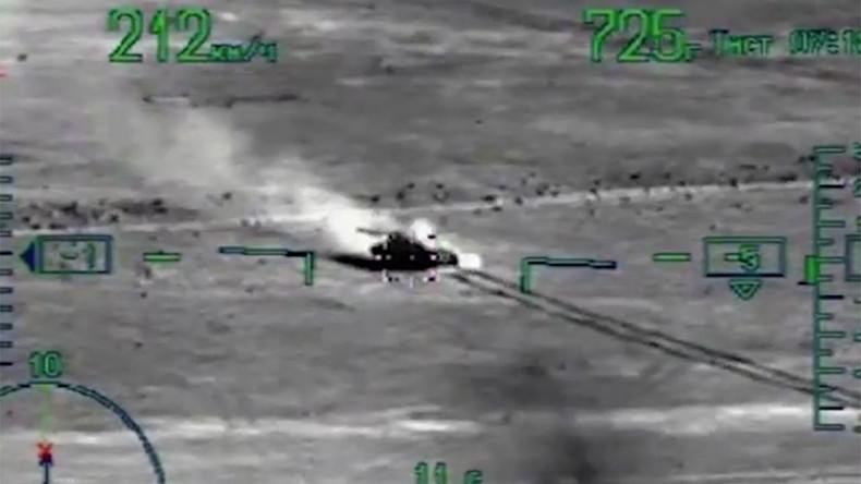 Russlands Luftwaffe zerstört 30 IS-Fahrzeuge bei Deir ez-Zor [VIDEO]