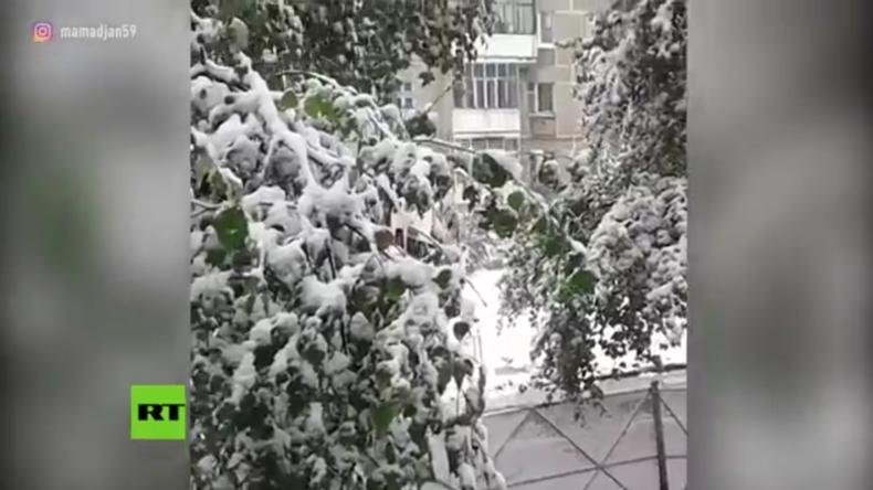 Herbst, wo bist du? - Erster Schnee in Russland noch vor dem Ende des Sommers
