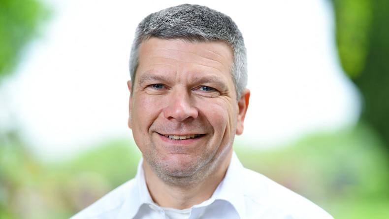 Herxheimer Bürgermeister droht Parteiausschluss nach relativierenden Aussagen über Adolf Hitler