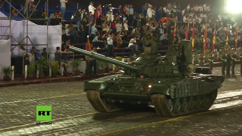 Nicaragua: Russische Panzer nehmen an Jubiläums-Parade teil