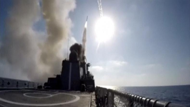 Russische Marine feuert Marschflugkörper auf IS-Stellungen bei Deir ez-Zor ab