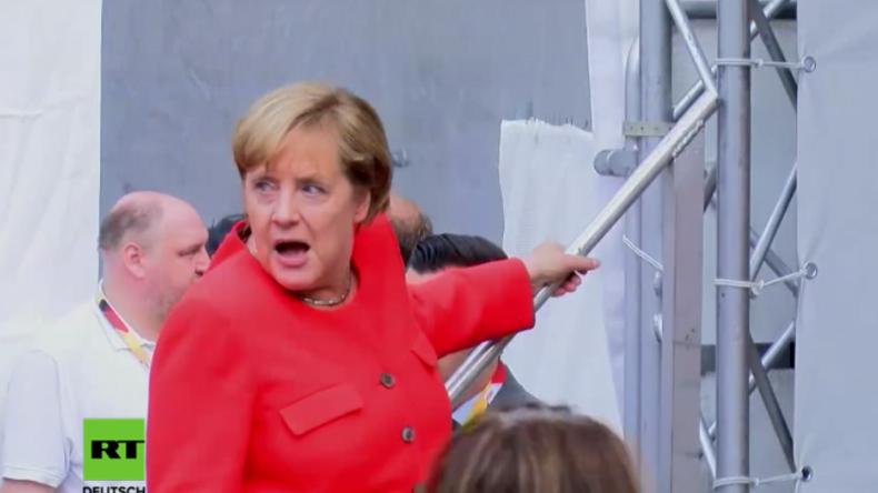 Wahlkampf in Heidelberg: Bundeskanzlerin Merkel mit Tomaten beworfen