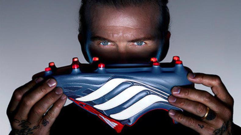 David Beckham testet neue alte Innovations-Fußballschuhe von Adidas