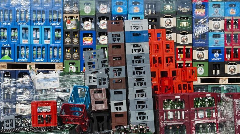 Leichte Beute: Diebe stehlen mehr als 200 Kisten mit leeren Getränkeflaschen