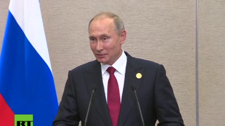 """Putin zu Frage über seine Meinung zu Trump: """"Er ist nicht meine Braut und ich nicht sein Bräutigam"""""""