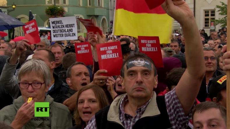 Harter Wahlkampf für Merkel – Erneut ohrenbetäubender Protest bei Auftritt der Kanzlerin