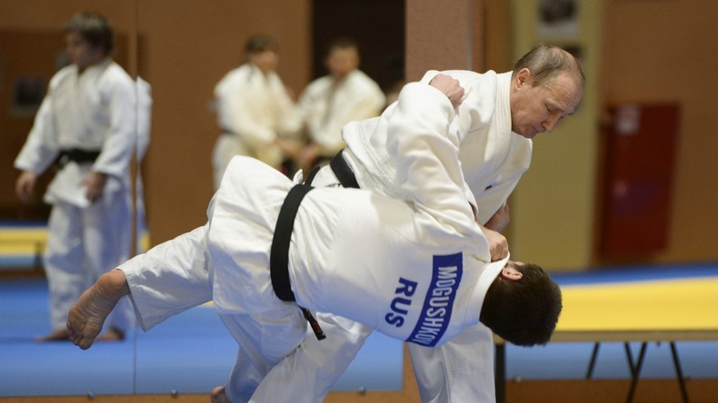 Wladimir Putin vs. Chaltmagiin Battulga: Shinzo Abe schlägt Judo-Zweikampf vor