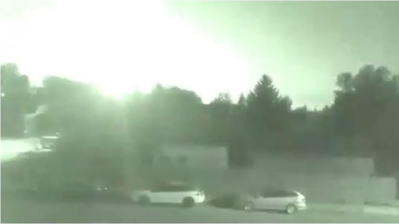 Meteorit erschreckt Kanadier: Kameras halten grünliches Licht fest [VIDEO]