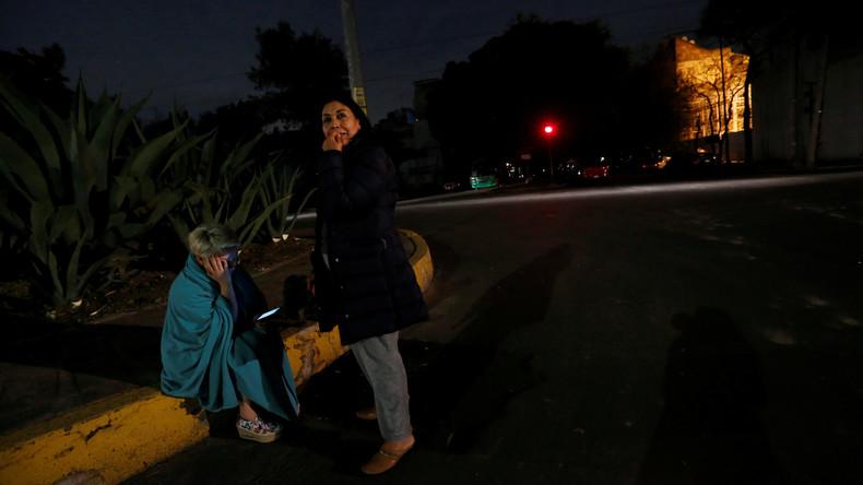 Bizarre Lichter am Himmel über Mexiko-Stadt während eines Erdbebens [VIDEO]