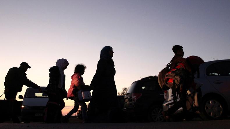 Schleuser bringen rund 300 Migranten nach Zypern