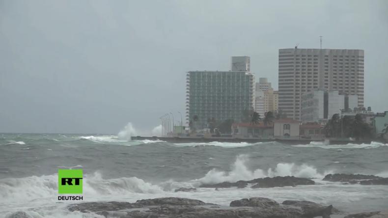 """Kuba: Hurrikan """"Irma"""" hämmert auf Havannas Wahrzeichen ein"""