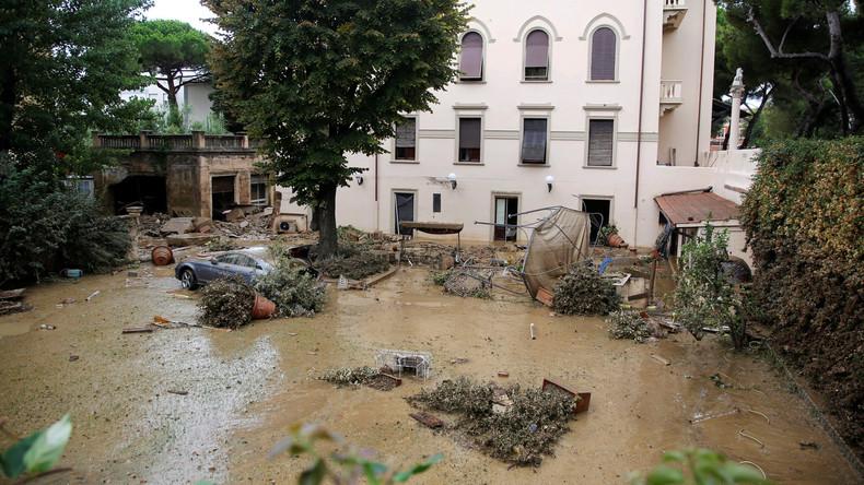 Mindestens sechs Tote nach Unwettern in Toskana