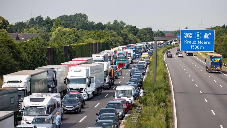 Autobahnprivatisierung: Bundesregierung schleudert Millionen Euro aus dem Fenster
