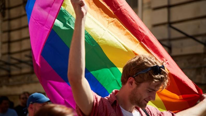 Slowakischer Theologe bekommt Lehrverbot – er hielt unterstützende Rede auf Schwulenparade