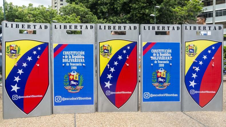 Juristen werfen Venezuelas Oberstem Gericht Staatsstreich vor