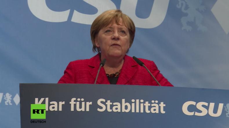 Rosenheim: Merkel erklärt unter lautstarkem Protest, wie sie die innere Sicherheit verbessern will