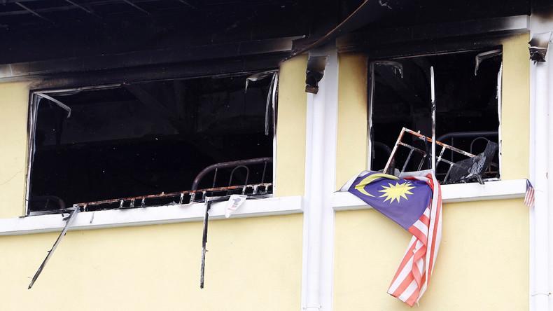 Menschen sterben bei Feuer in einer Schule in Malaysia
