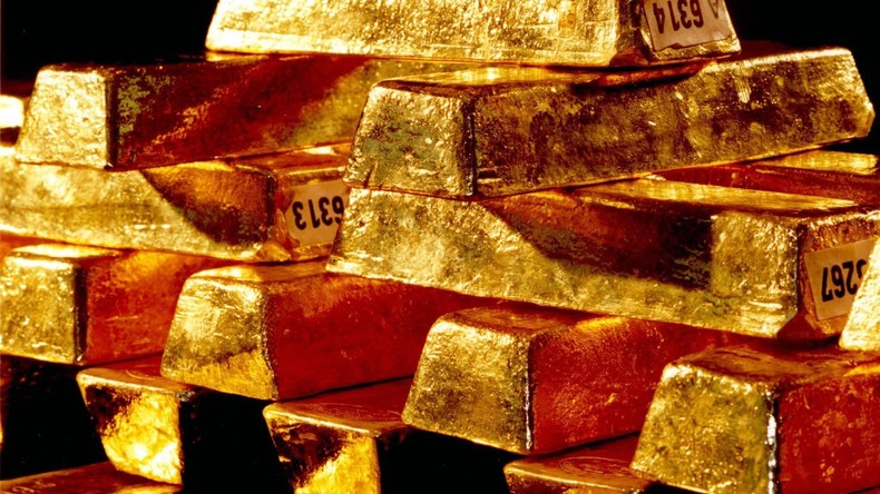 Fake-Polizisten stehlen 97-jähriger Pariserin Gold und Schmuck im Wert von 300.000 Euro
