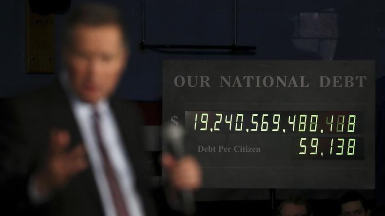 Wegen zu hoher Staatsverschuldung: USA hängen Schuldenuhr in New York ab