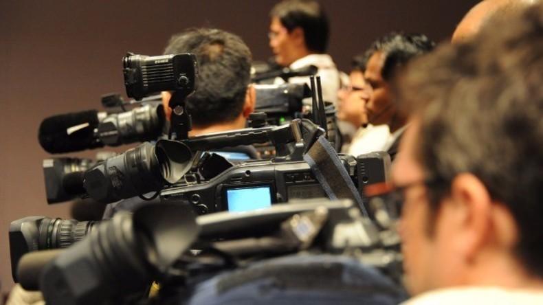 Live: Merkel hält gemeinsame Pressekonferenz mit qatarischem Emir Al Thani