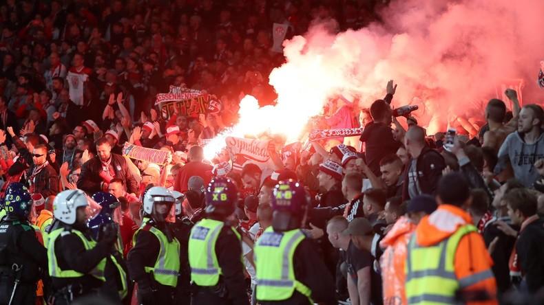 Deutsche Fußballfans stiften Unruhen vor UEFA-Europa-League-Spiel in London