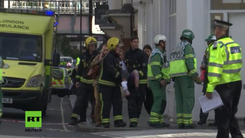 """""""Terroristischer Hintergrund"""": Mindestens 18 Verletzte nach Explosion in Londoner U-Bahn [Videos]"""