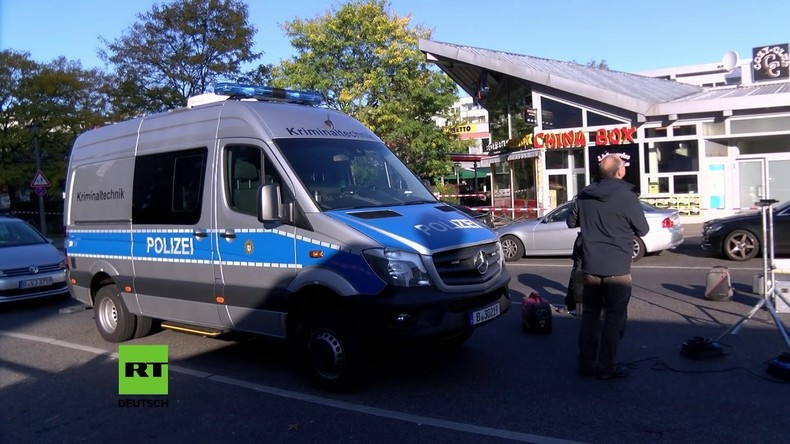 Nach Schießerei mit Todesfolge: Polizei riegelt Berliner Nachtclub ab.