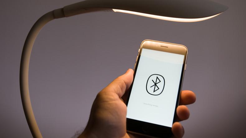Bluetooth bringt Gefahr: IT-Experten entdecken ein Schadprogramm, das Handys und Rechner bedroht